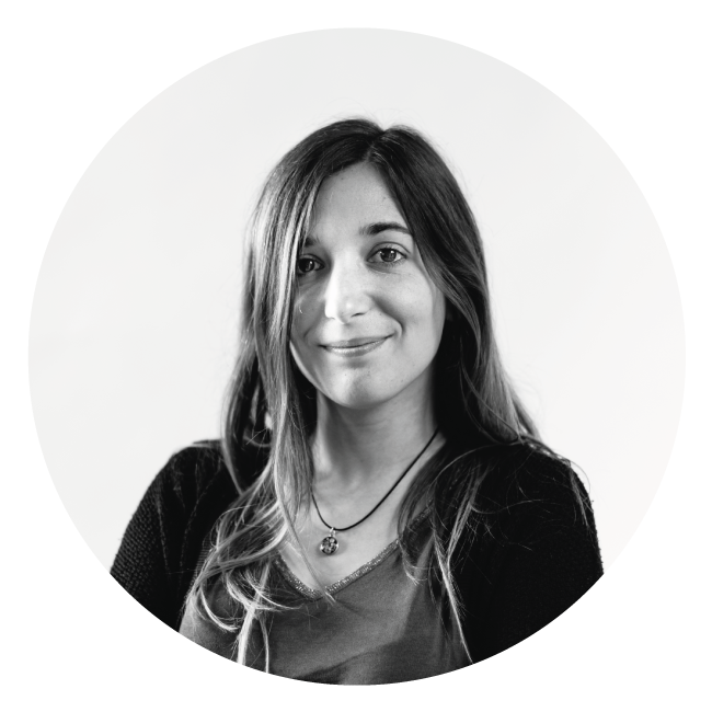 Edwige graphiste et créatrice de vidéo à La Marketerie agence de communication globale à Evian, Thonon et Annemasse